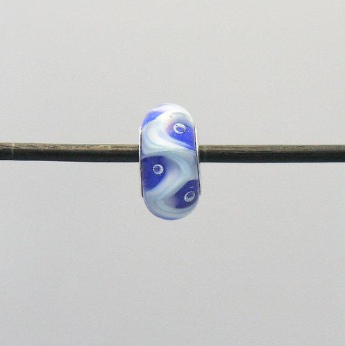 fond bleu, ligne sinueuse blanche, bulles
