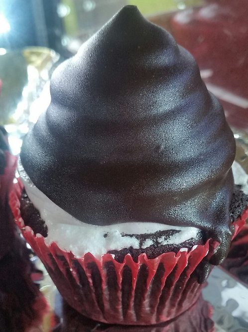 Chocolate & Strawberry Cupcake
