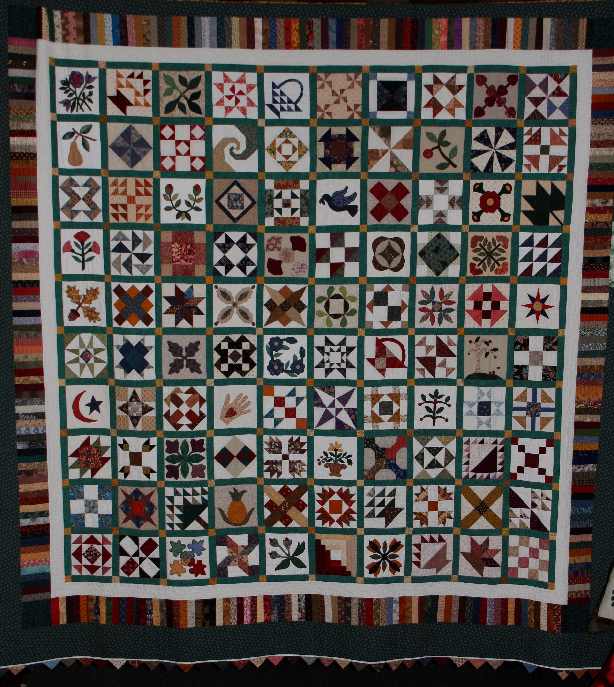 2013 MWQG Holiday Cheer Quilt Show03.JPG