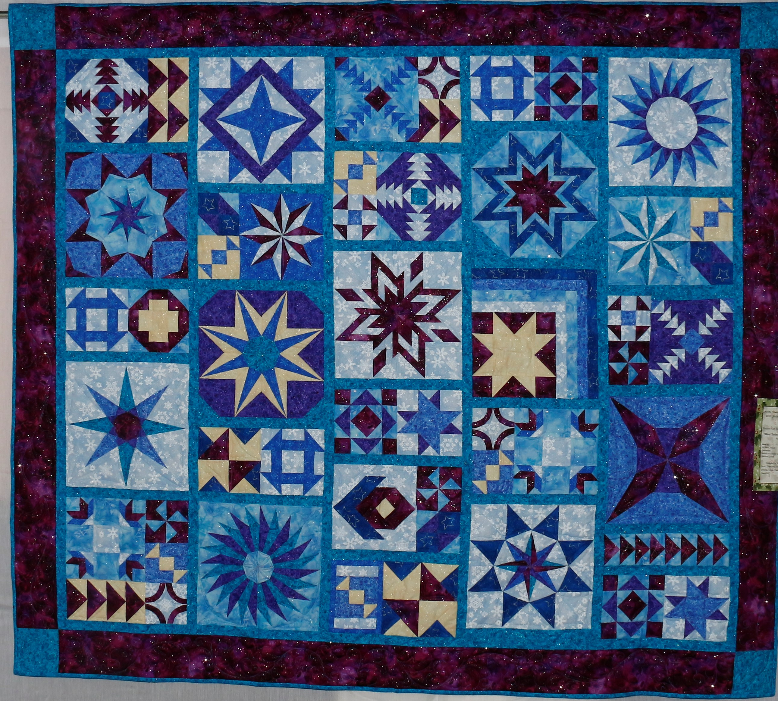 2013 MWQG Holiday Cheer Quilt Show76.JPG