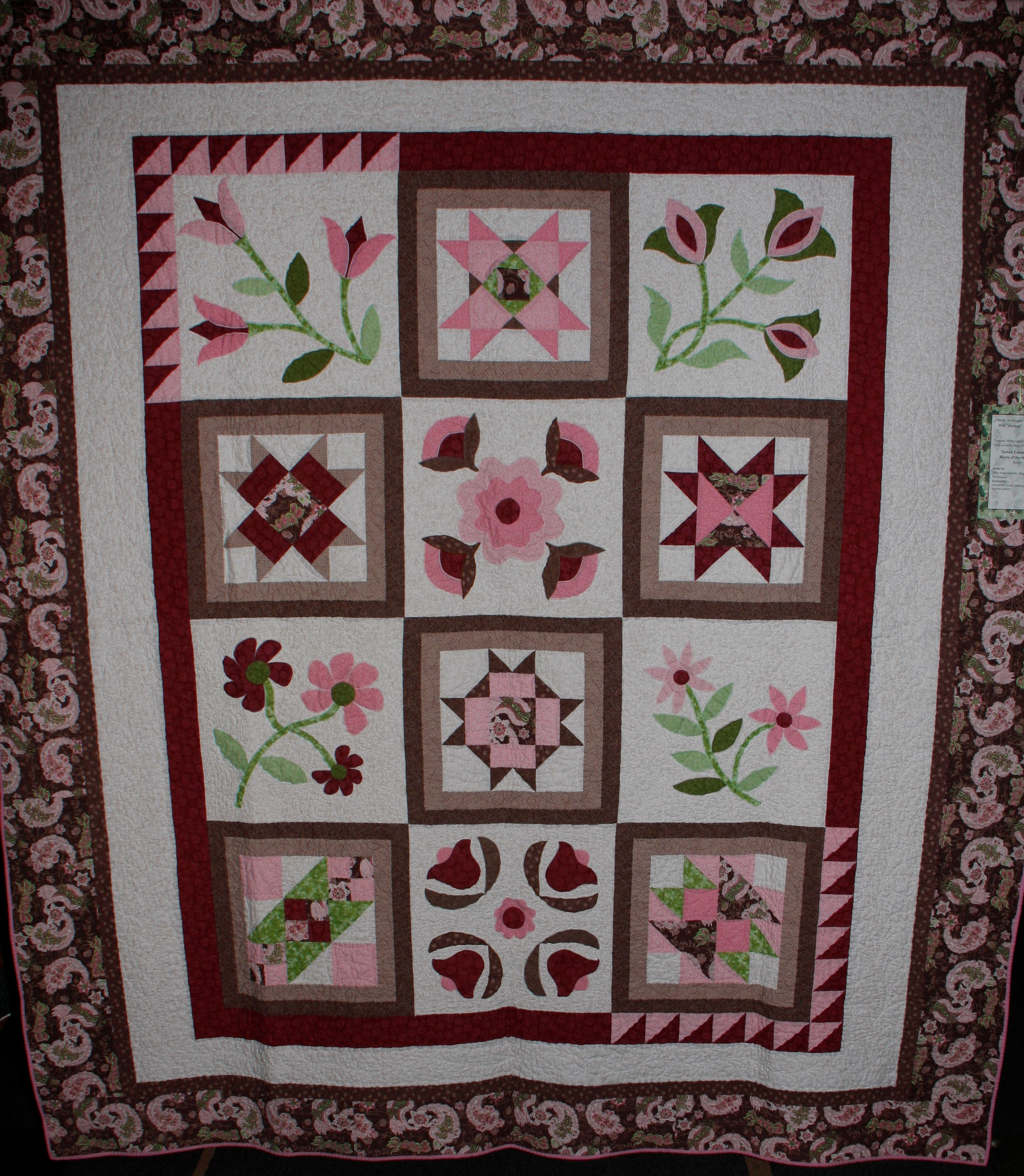 2013 MWQG Holiday Cheer Quilt Show09.JPG