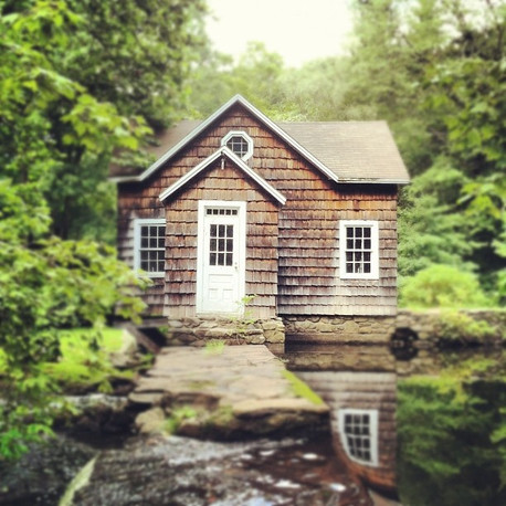 small house on water 2.jpg