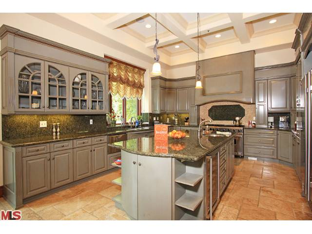 523 N. Rodeo dr kitchen