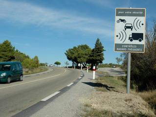 """Les vrais """"faux radars"""" arrivent sur nos routes."""