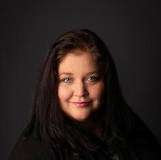 Kim McMillan, Service Specialist