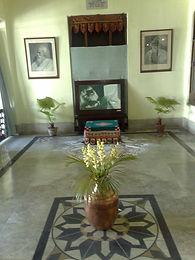 Interior_room,_Jorasanko_Mansion,_Kolkata,_India.jpeg