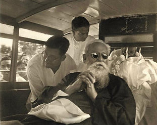 Last_pic_of_Tagore.jpeg