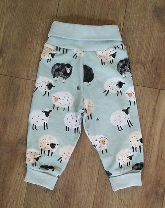 Pants Fluffy Sheeps von Walkiddy