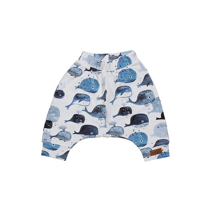 Baggy Shorts Baby Whales von Walkiddy