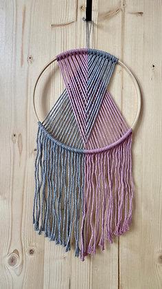 Wandbehang Valerie mit Holzring grau/rose von Knot on me