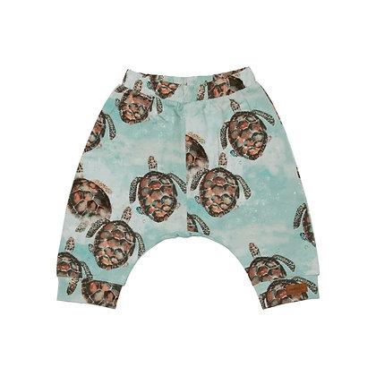 Baggy Shorts Sea Turtle von Walkiddy