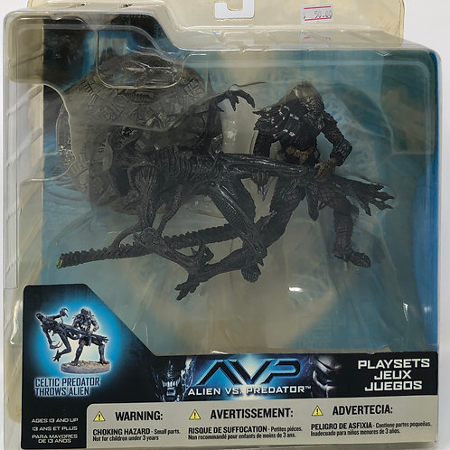 AVP Celtic Predator throws Alien playset 2005 Mcfarlane