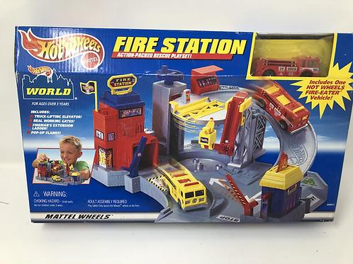 Hot Wheels Fire Station 2000 Rare Mattel
