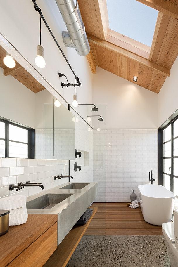 Teak Shower Floor. Modern Building and Design