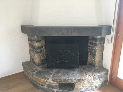 Recouvrement tablier de cheminée en carrelage grand format