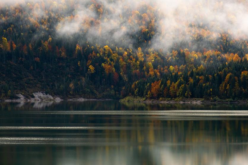 Sylvensteinsee im Herbst