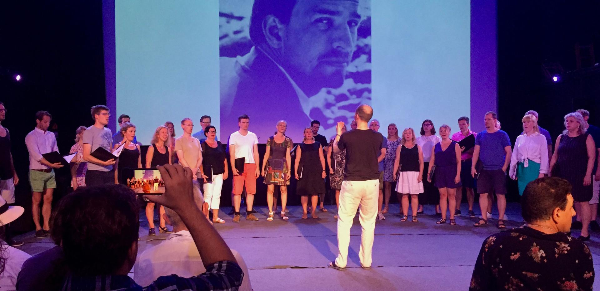Flashmob-konsert på La Fábrica de Arte Cubano, Kuba