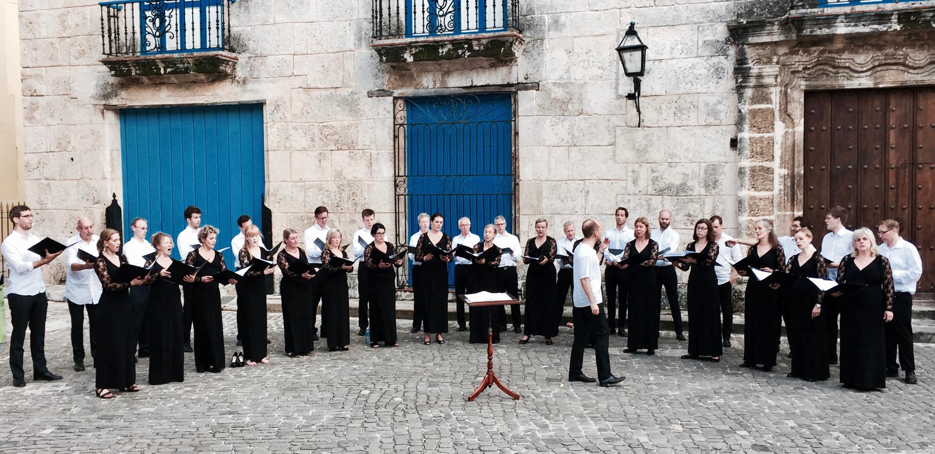 Utomhuskonsert på Plaza de la Catedral, Havanna, Kuba.