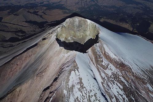 Vista aérea del cráter del Pico de Orizaba