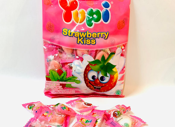 120g Yupi Strawberry Kisses Gummies Bag