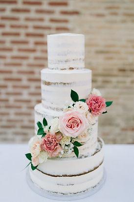 Gâteau de mariage chic.jpg