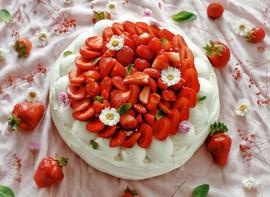 Pavlova fraise-menthe.jpeg