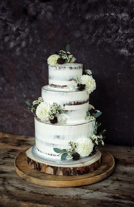 Wedding cake bois champêtre.jpeg