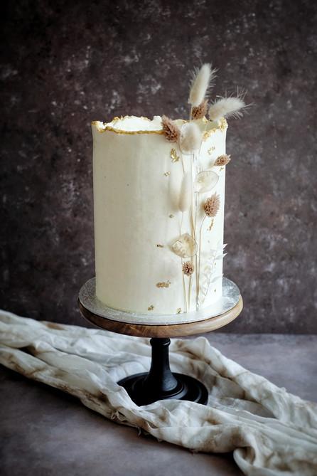 Wedding cake haut - Fleurs séchées.jpeg