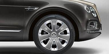 03 bentayga mulliner wheel detail dws ga