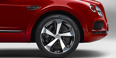 05 bentayga v8 front wheel with carbon b
