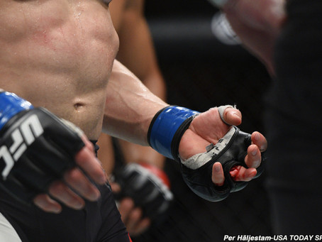 After grisly injury, UFC's Josh Emmett briefly thought his finger had been kicked off