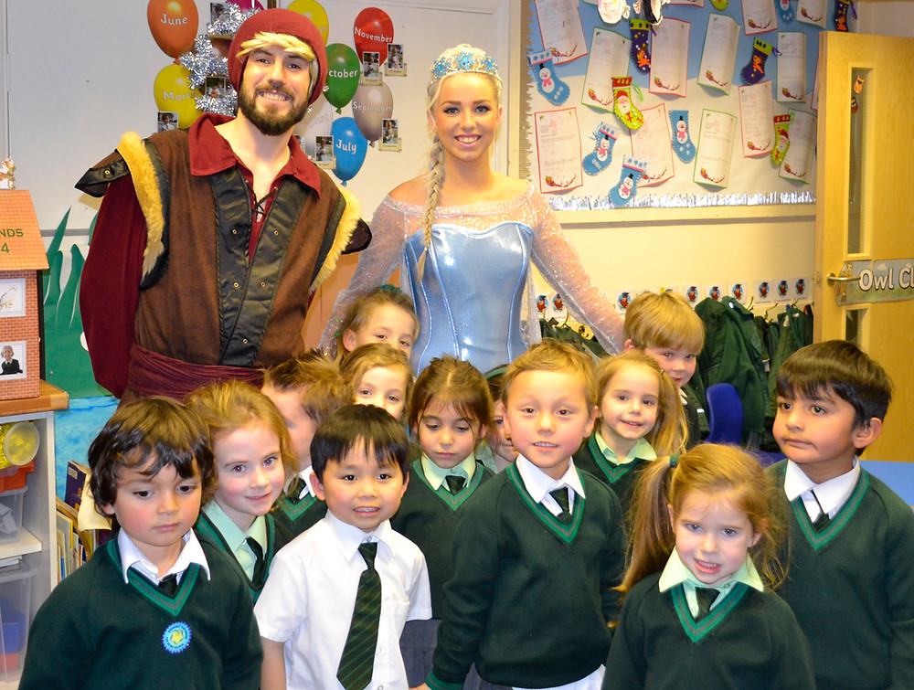 Elsa meets the Childdren at Oaklands school
