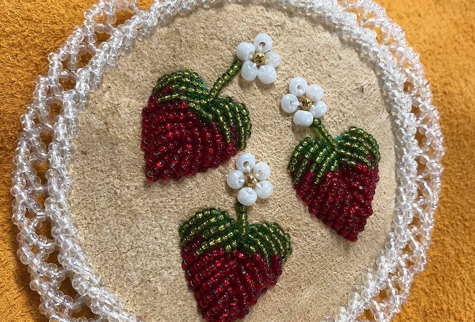 Raised Strawberry Beadwork Barrette