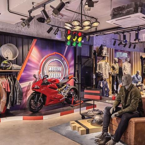 Moto GP   Apparel Shop in Shop