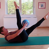 Pilates mit Ball Website.jpg