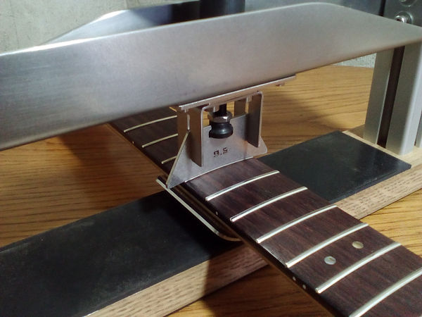 Guitar Fret Press With Neck Support | GMC Luthier Tools