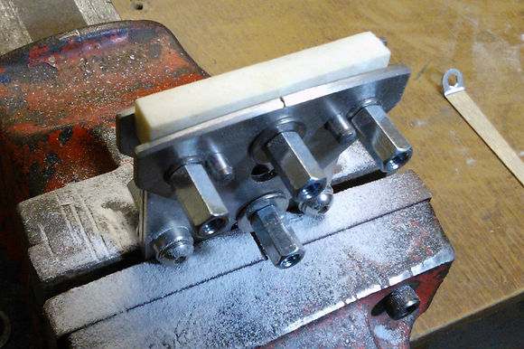 Guitar Nut Vice | GMC Luthier Tools