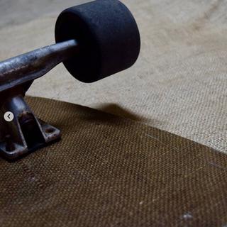 Longboard aus hanffaserverstärktem Kunststoff