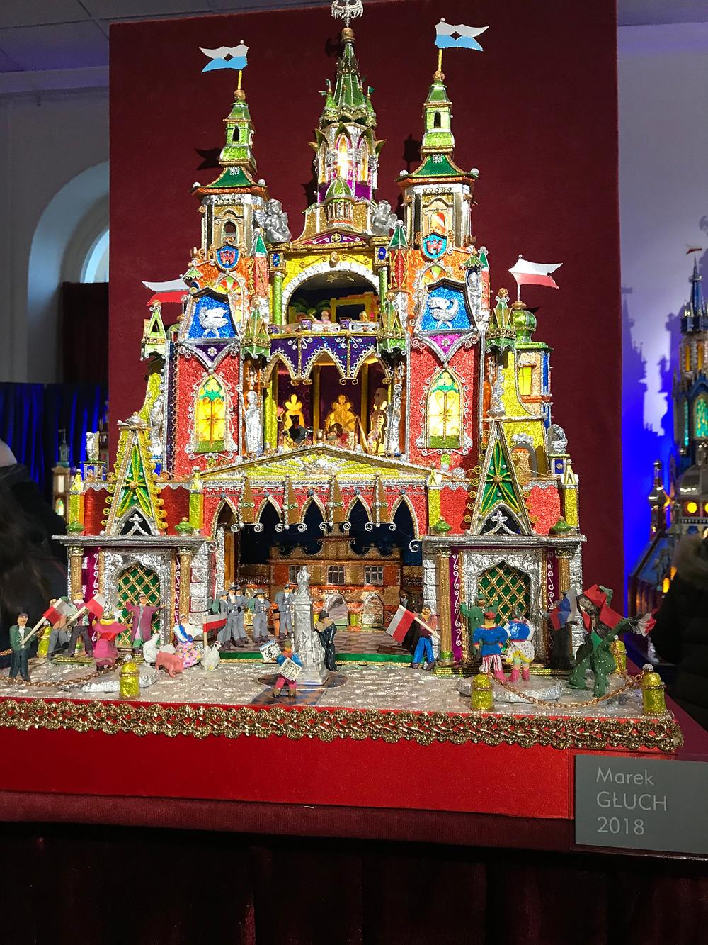 Visite de l'exposition des crèches colorées