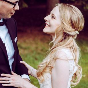 Fotoshooting für eine Hochzeit, Brautstyling, Deutschland, München, Grünwald, Make-up Artist, Visagist, Hairstylist, Friseur, Brautmake-up, Brautfrisur
