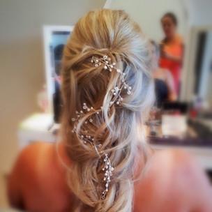 Brautprobestyling, Brautstyling, Deutschland, München, Grünwald, Make-up Artist, Visagist, Hairstylist, Friseur, Brautmake-up, Brautfrisur