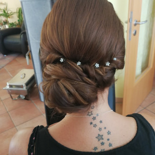 Hochsteckfrisur für eine Hochzeit,Brautstyling, Deutschland, München, Grünwald, Make-up Artist, Visagist, Hairstylist, Friseur, Brautmake-up, Brautfrisur