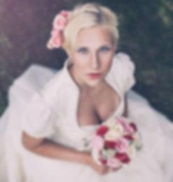 Brautstyling, Brautfrisur, Hochzeit, Brautdirndl, Braut Make-up, Fotoshooting
