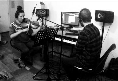 Alexander y Maria Jose grabando cuerdaspg