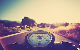 tmsNF6T-vespa-wallpaper.jpg