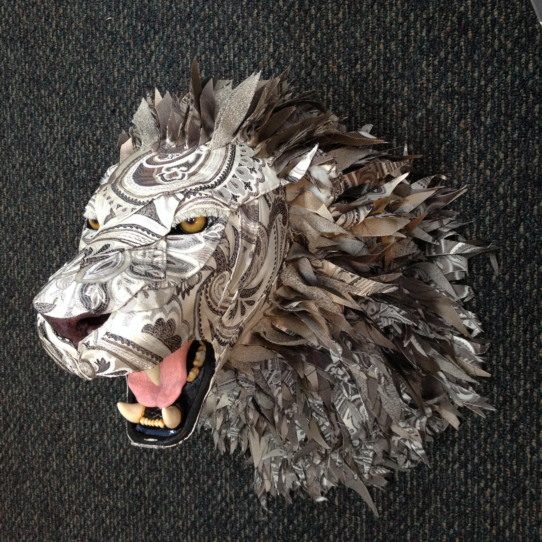 Lion27a