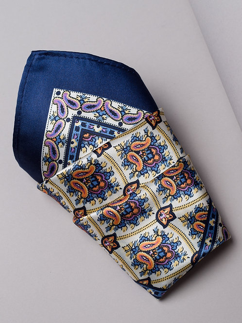 Копринена кърпичка тъмно синьо и екрю на пейсли