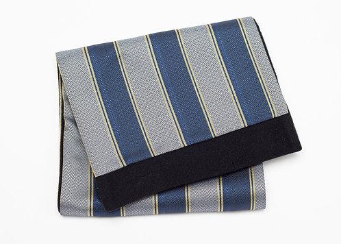 Двулицев шал в синьо и сребърно райе