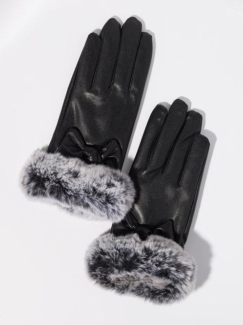 Дамски ръкавици- черни еко кожа с пух и декоративна панделка