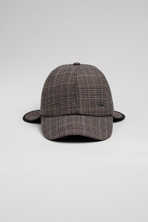 Зимна шапка с козирка бежово каре